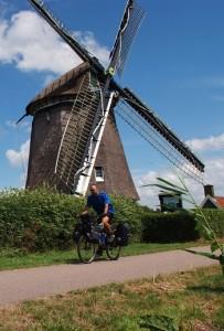 Benelux en bici y silla de ruedas